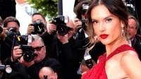 Alessandra Ambrosio Cannes'da şovunu yaptı